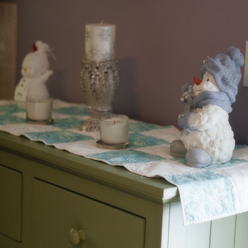 Table runner winter