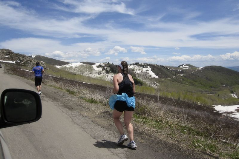 Ragnar 2011 20 amy climbing hill