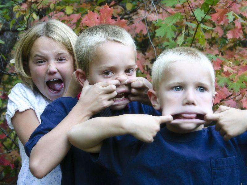 3 kids fall 04