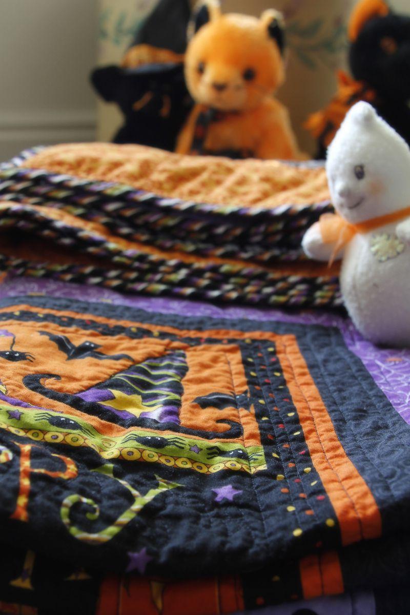 Halloween quilt 06