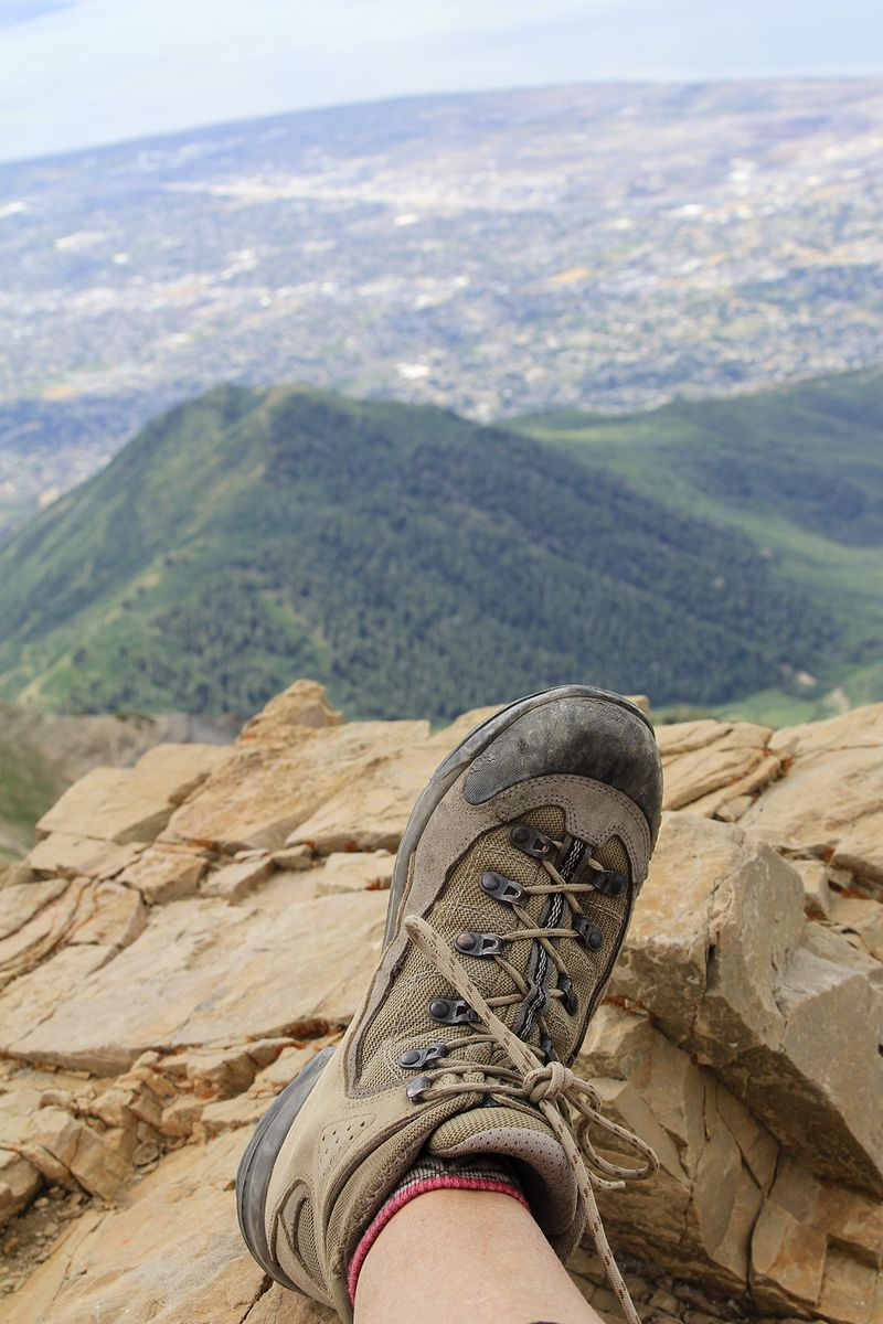 July 2014 review hiking boots 4x6