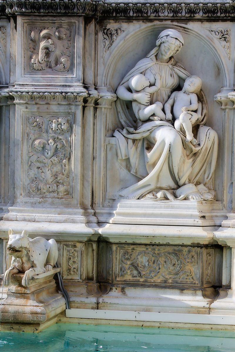 Siena romulus and remus fountain small Amy Sorensen