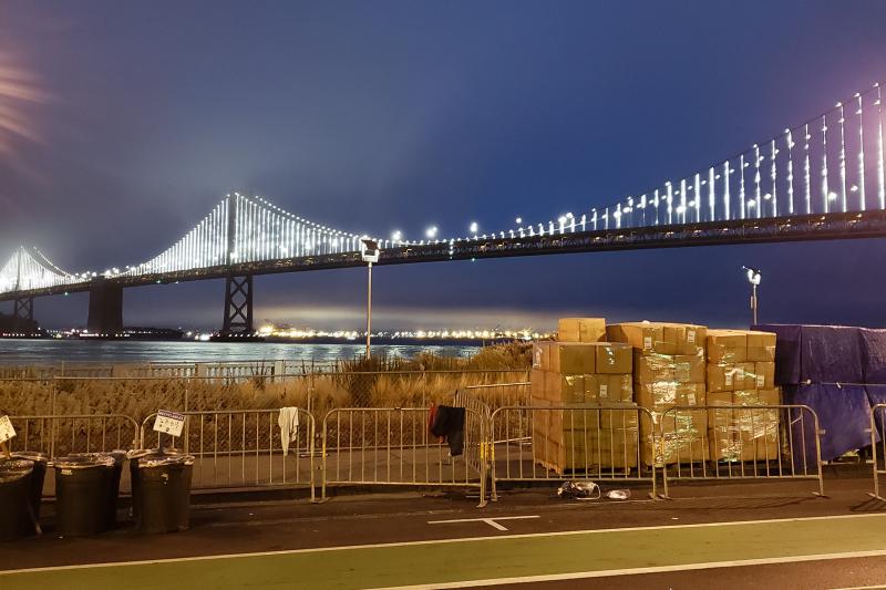 Sf marathon bridge at start