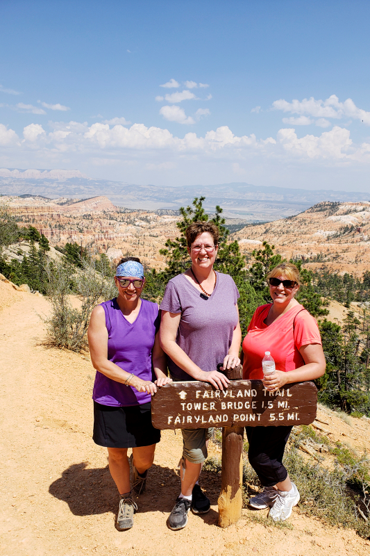 20180803_150400 amy wendy jamie bryce canyon 4x6