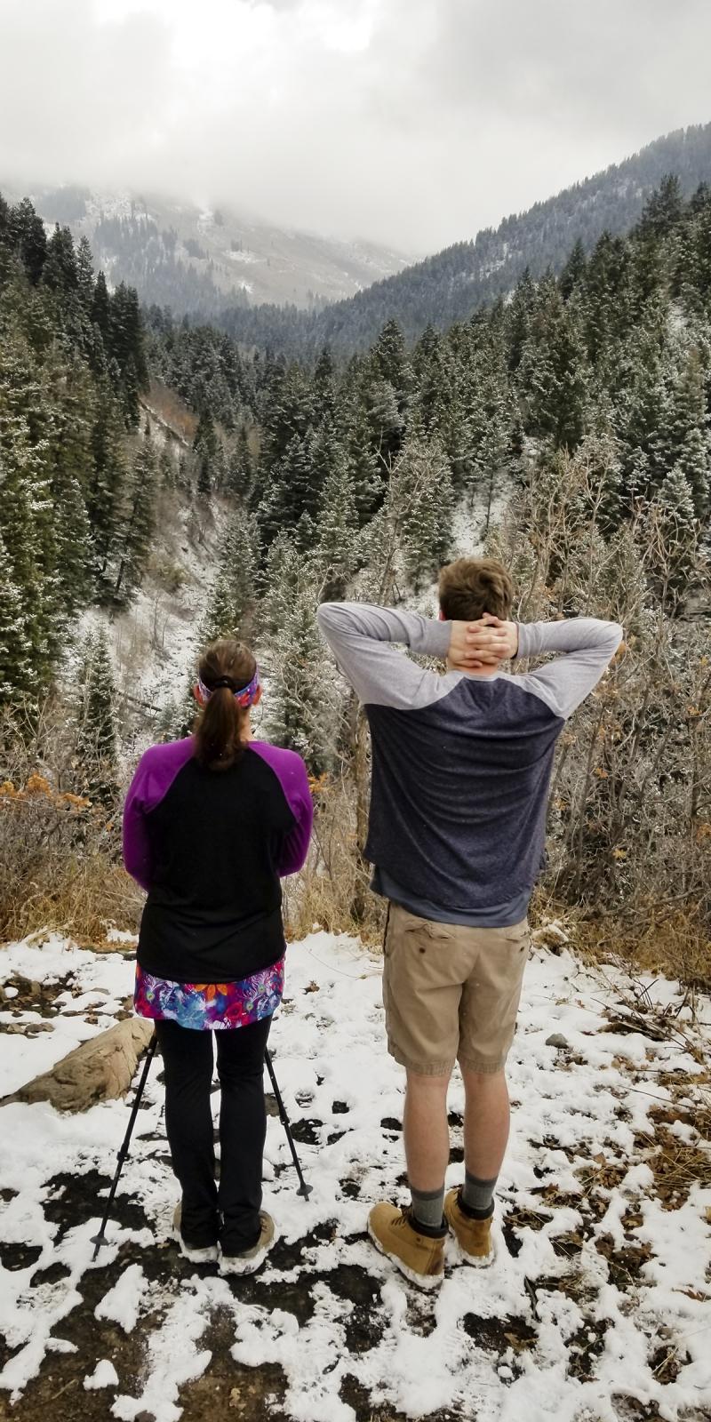 Snow hiking 01