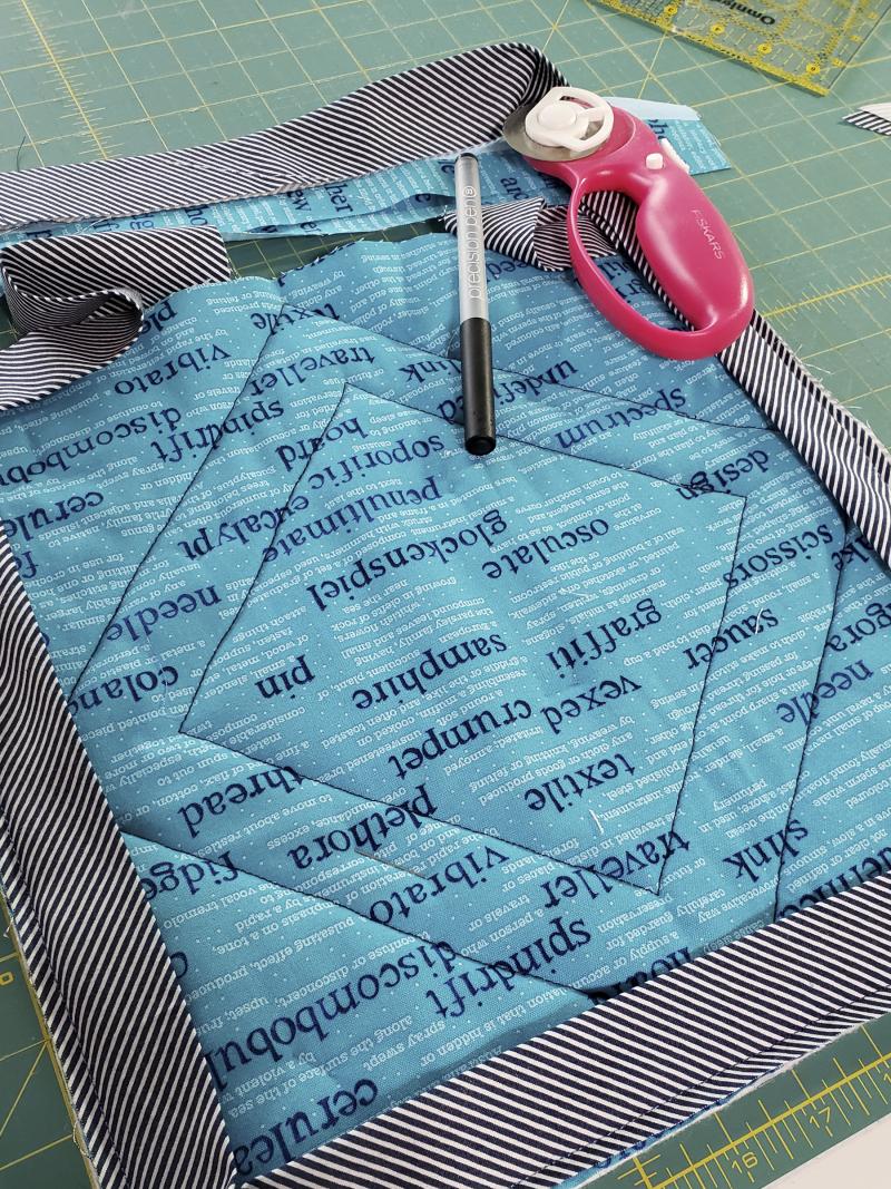 Mug rug binding