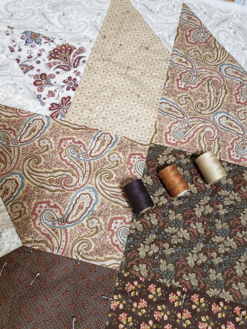 Fall leaf table quilt thread choice