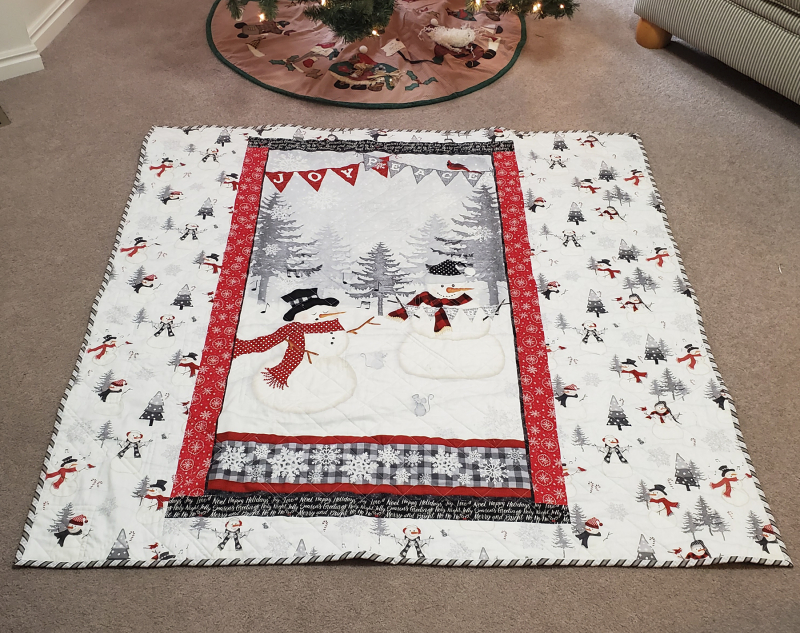 21b christmas table quilt back