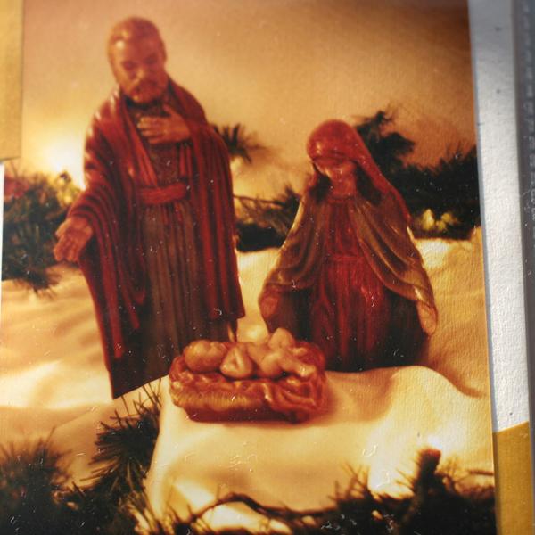 Nativity_moms_2